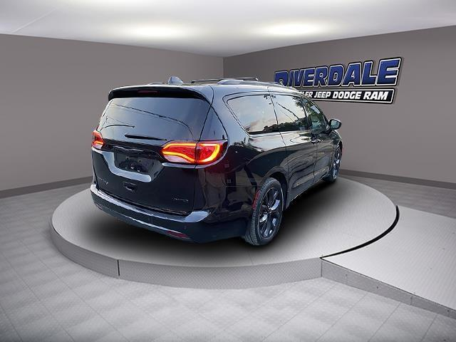 Used Chrysler Pacifica Limited 2019 | Eastchester Motor Cars. Bronx, New York