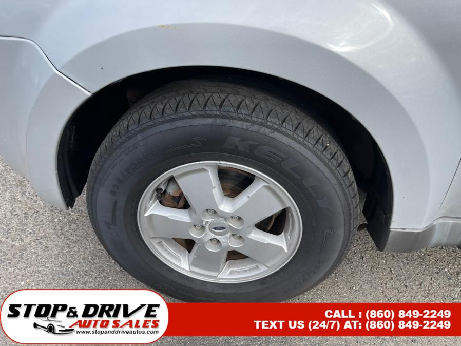 Used Ford Escape 4WD 4dr V6 Auto XLT 2008 | Stop & Drive Auto Sales. East Windsor, Connecticut