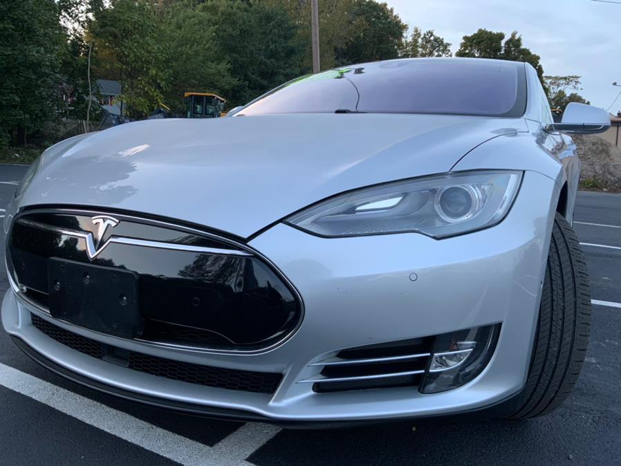 Used Tesla Model S 4dr Sdn P85 2014 | Capital Lease and Finance. Brockton, Massachusetts