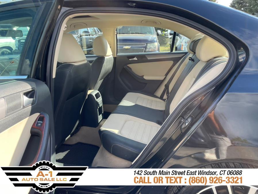 Used Volkswagen Jetta Sedan 4dr Auto SEL w/Premium PZEV 2012 | A1 Auto Sale LLC. East Windsor, Connecticut
