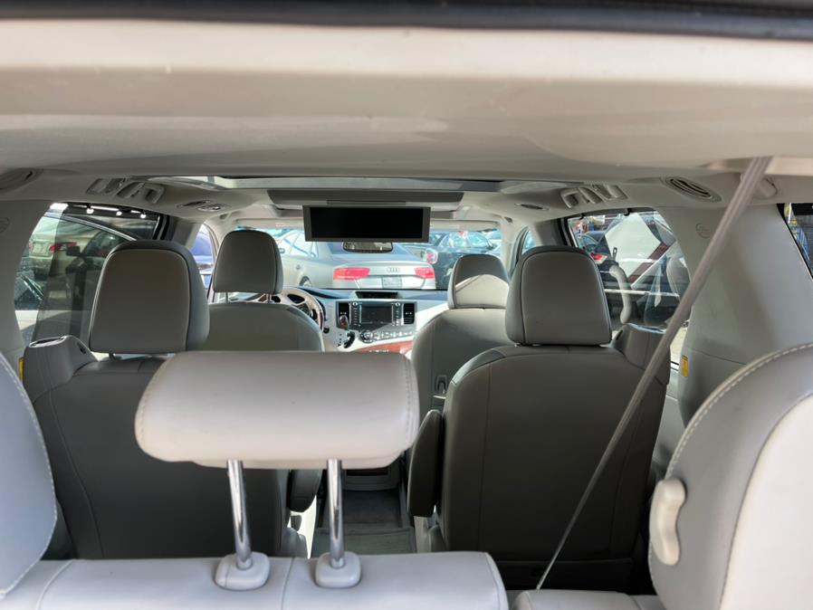 Used Toyota Sienna 5dr 7-Pass Van V6 Ltd AWD (Natl) 2013 | Brooklyn Auto Mall LLC. Brooklyn, New York
