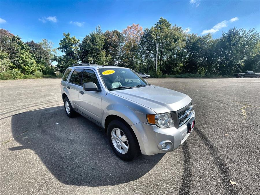 Used Ford Escape 4WD 4dr XLT 2010 | Wiz Leasing Inc. Stratford, Connecticut
