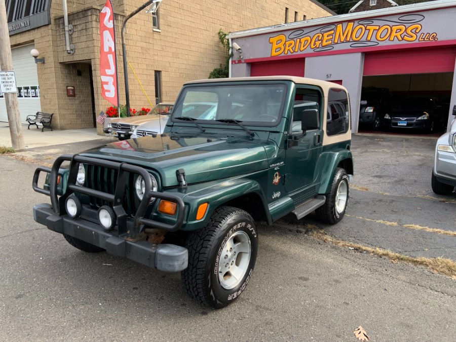Used 1999 Jeep Wrangler in Derby, Connecticut | Bridge Motors LLC. Derby, Connecticut