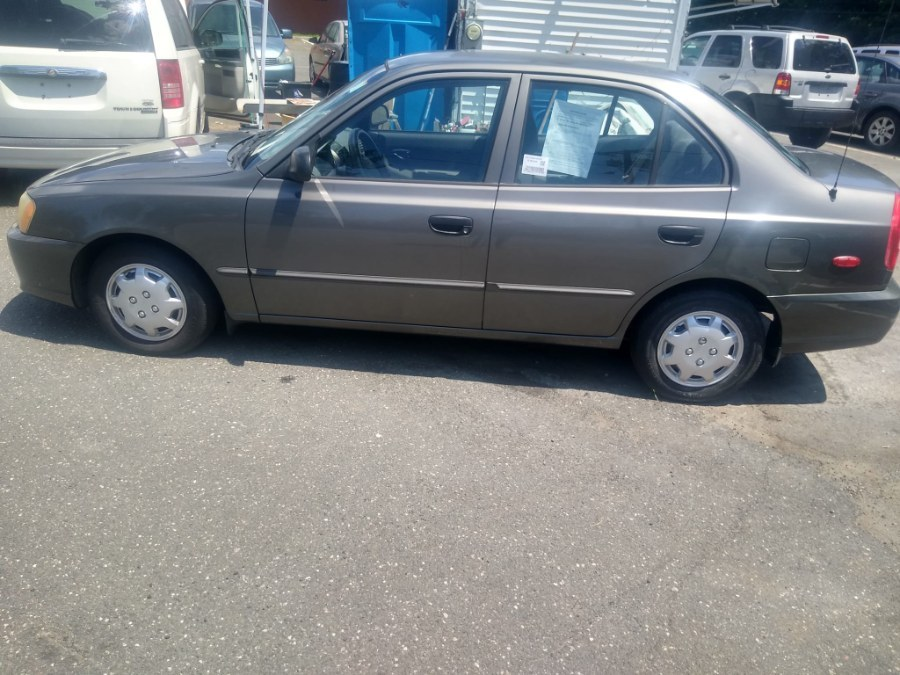 Used Hyundai Accent 4dr Sdn GL Auto 2002 | Payless Auto Sale. South Hadley, Massachusetts