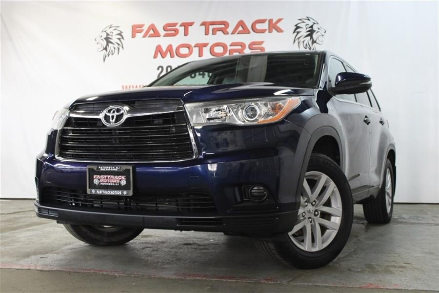 Used Toyota Highlander LE 2015 | Fast Track Motors. Paterson, New Jersey