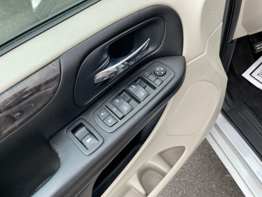 Used Dodge Grand Caravan 4dr Wgn SE 2012   DZ Automall. Paterson, New Jersey