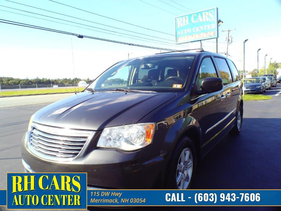 Used 2011 Chrysler Town & Country in Merrimack, New Hampshire | RH Cars LLC. Merrimack, New Hampshire