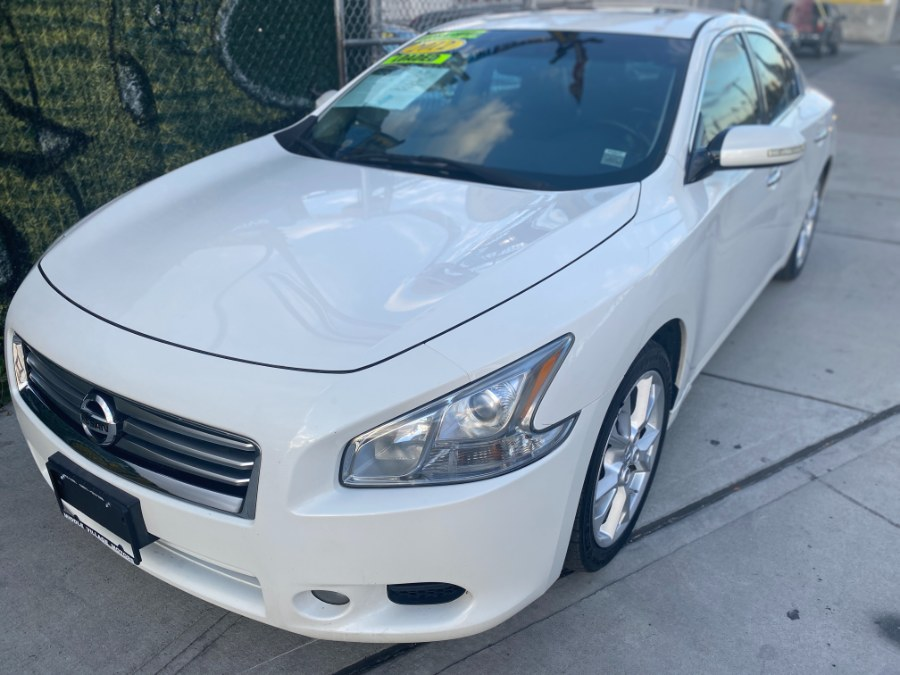 Used 2012 Nissan Maxima in Middle Village, New York | Middle Village Motors . Middle Village, New York