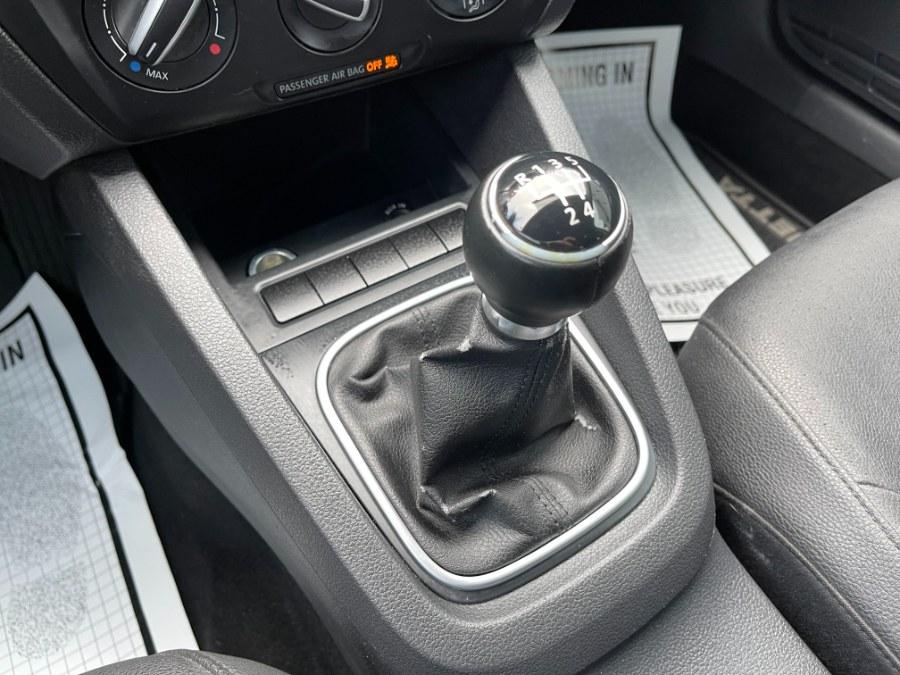 Used Volkswagen Jetta Sedan 4dr Manual SE w/Convenience PZEV 2011 | DZ Automall. Paterson, New Jersey